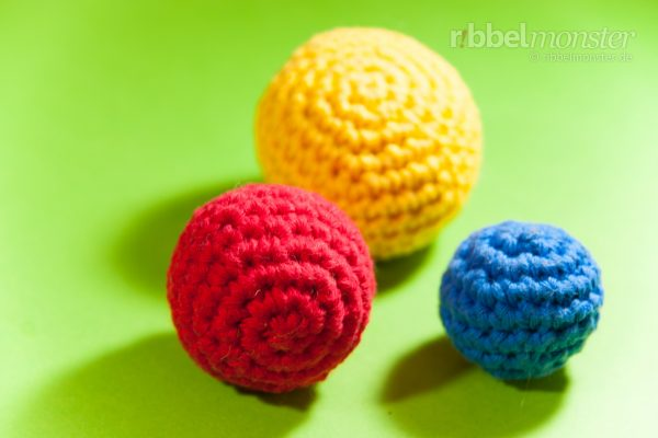 "Crochet Cat Ball – ""Loveball"" – with Cat Nip"