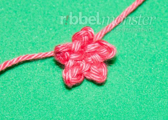Crochet Flowers – Crochet Tiny Blossom