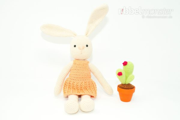 "Crochet Bunny – Dangling Bunny ""Milly"""