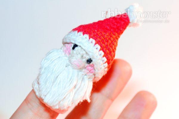 Amigurumi – Crochet Santa Finger Puppet