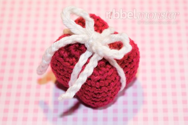 Amigurumi – Crochet Smaller Gift Package