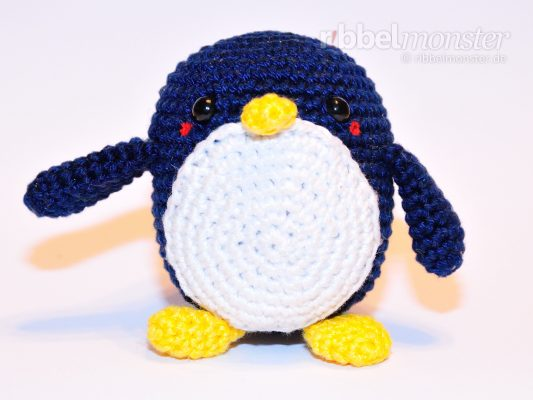 "Amigurumi – Crochet Medium Penguin ""Chubby"""