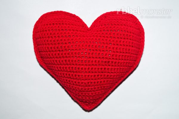 "Crochet Small Heart Pillow ""Darling"""